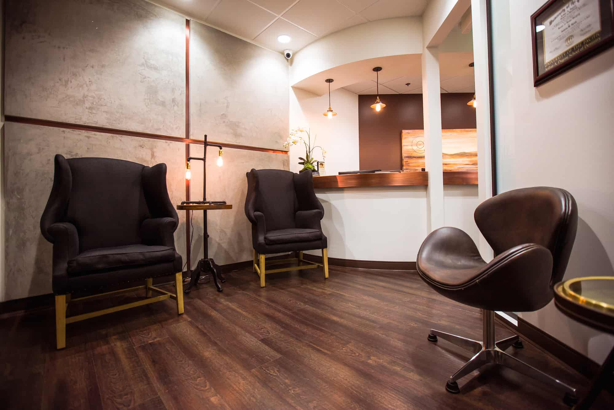 anddrew-spath-dds-newport-beach-office-waiting-room-2